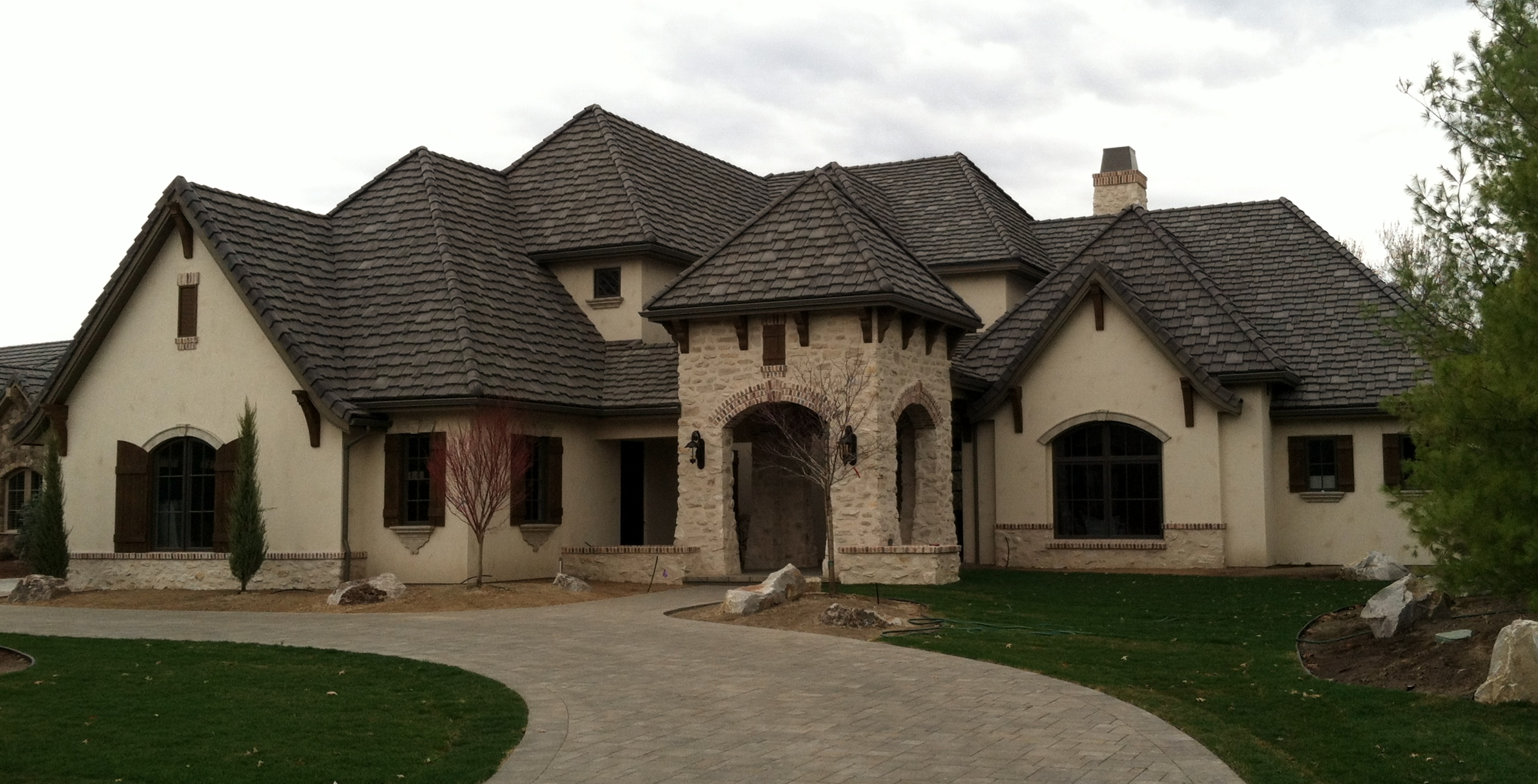Robert pederesen signature homes eagle idaho for Old world house plans courtyard